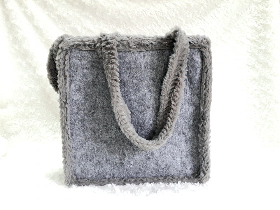 Geanta gri pufoasa - Model 4